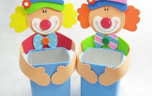 Lembrancinha com Caixa de Leite com EVA decorado com tema Circo