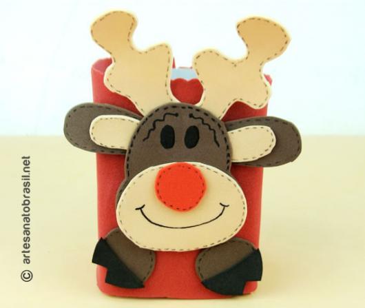Lembrancinha com Caixa de Leite com EVA decorado com Rena para o Natal