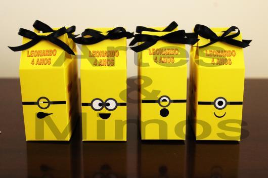 Lembrancinha com Caixa de Leite para aniversário com tema Minions
