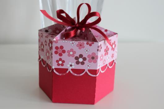 Lembrancinha com Caixa de Leite para Dia das Mães caixinha com flores