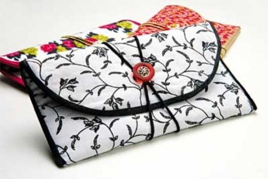 Lembrancinha com Caixa de Leite para Dia das Mães carteira com tecido