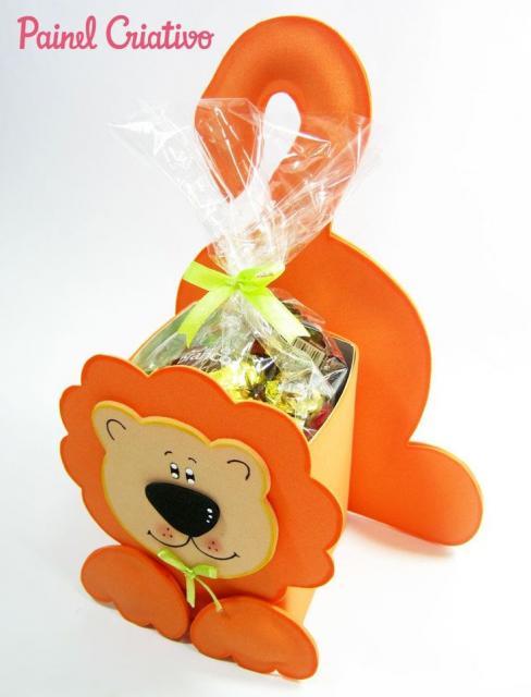 Lembrancinha com Caixa de Leite com Leão de EVA