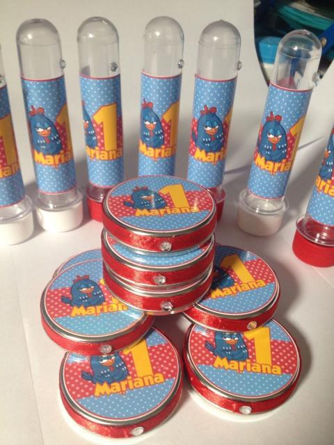 Lembrancinhas da Galinha Pintadinha com tubetes e latinhas personalizados