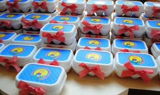 Lembrancinhas da Galinha Pintadinha embalagens com doces