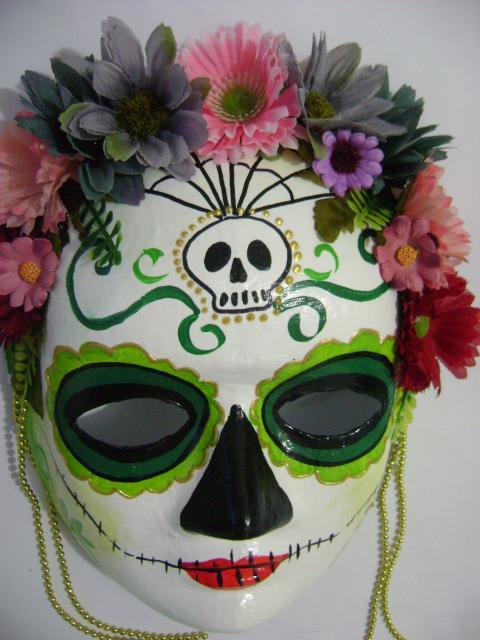 máscaras de papel machê