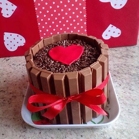 mini bolo de chocolate com kit kat