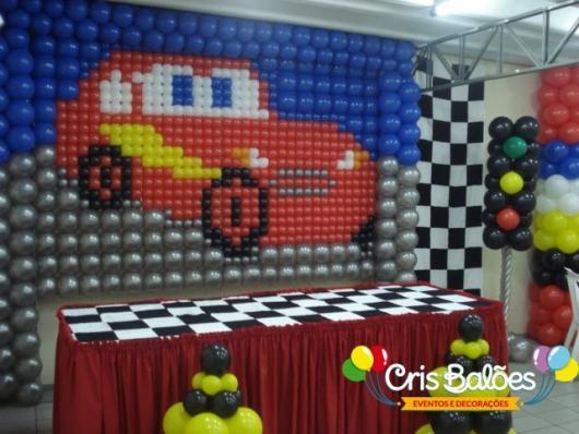 Painel de Festa Infantil de Balões do tema Carros