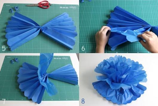 pompom de papel crepom azul
