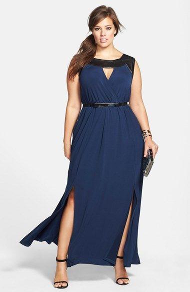 Vestido de Festa Longo Plus Size azul com detalhes em preto