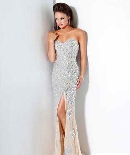 Vestido de Festa Longo com fenda e pedraria branco