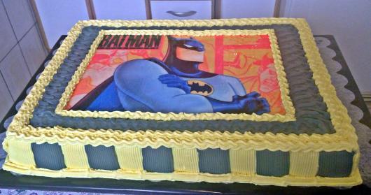 Bolo do Batman com Papel de arroz preto e amarelo