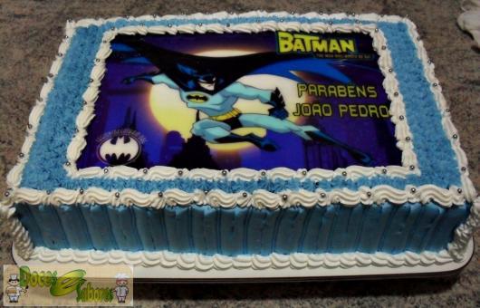 Bolo do Batman com Papel de arroz com detalhes azul e branco