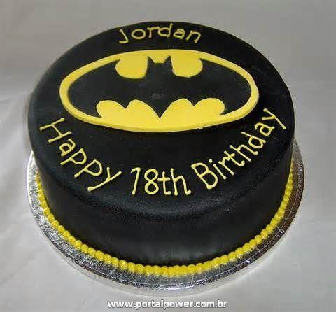 Bolo do Batman de Pasta Americana redondo preto e amarelo
