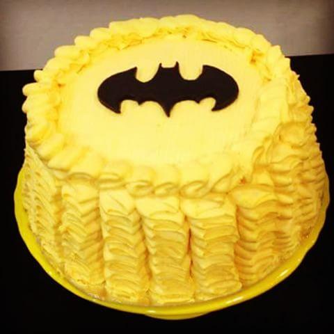 Bolo do Batman de 1 andar decorado com chantilly