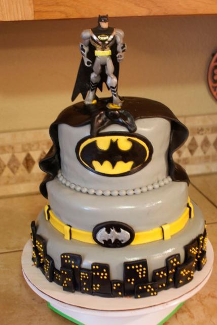 Bolo do Batman de 3 andares decorado