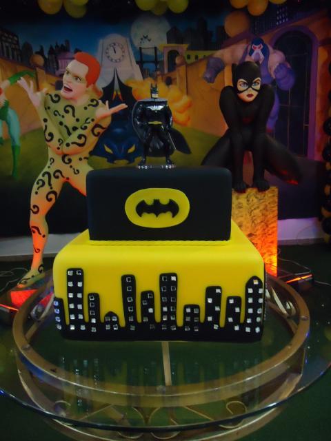 Bolo do Batman Quadrado com dois andares