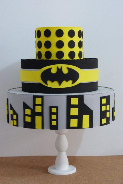 Bolo Fake Batman emborrachado