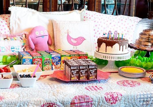 Como fazer uma festa do Pijama cardápio com suco de caixinha