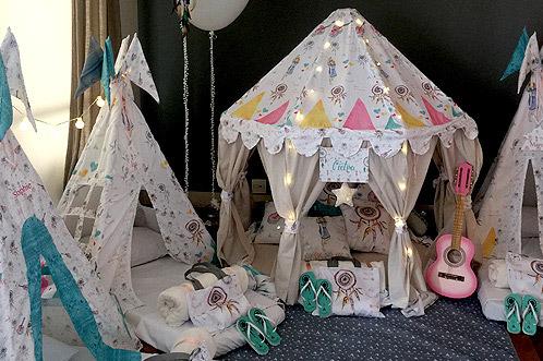 Como fazer uma festa do Pijama cabana personalizadas no estilo havaiano