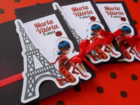 Convites Ladybug na Torre Eiffel no estilo scrap