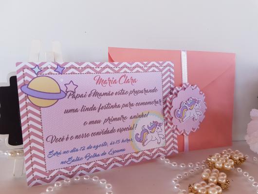 Convites Unicórnio Rosa no estilo scrap