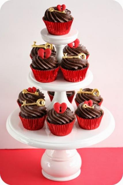 Cupcake para Dia dos Namorados Confeito chave e coração com fechadura