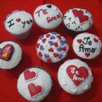 Cupcake para Dia dos Namorados Com Frase Eu te amo/I love you