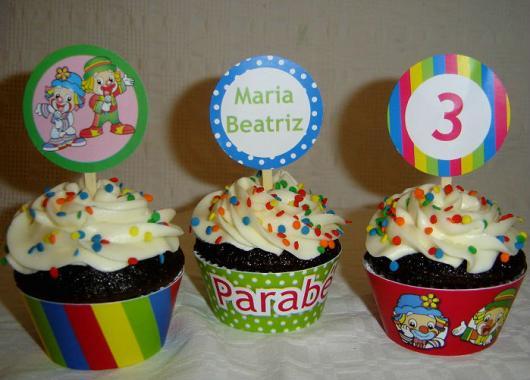 Cupcake Patati Patatá com placa personalizadada