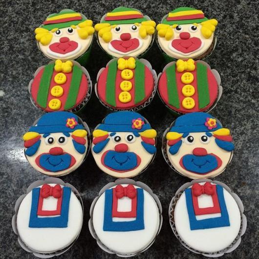 Cupcake Patati Patatá decorado com rostos