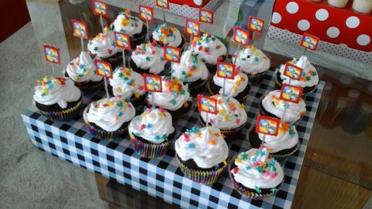 Cupcake Patati Patatá com plaquinha personalizada