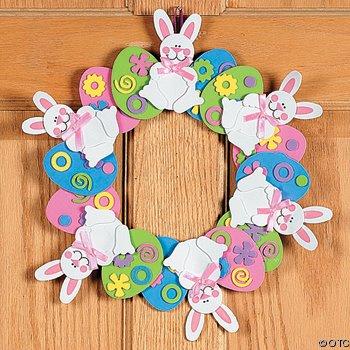 Decoração de Páscoa de EVA: guirlanda com coelhinhos e ovos