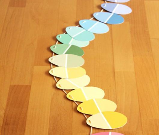 Decoração de Páscoa de EVA: bandeirinhas em formato de ovo