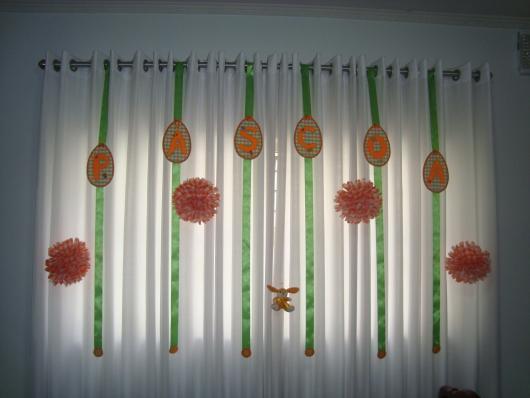 Decoração de Páscoa de EVA: enfeite para cortina