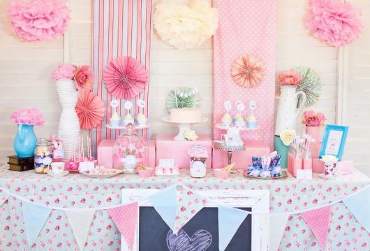 Decoração de Chá de Bebê de menina rosa