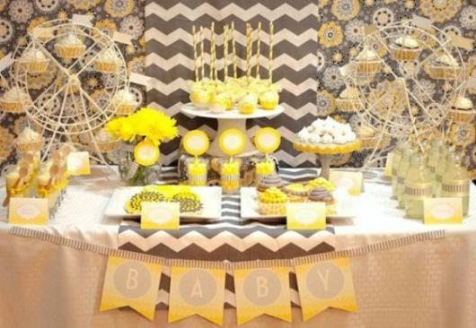 Decoração de Chá de Bebê de menino com tema Amarelo