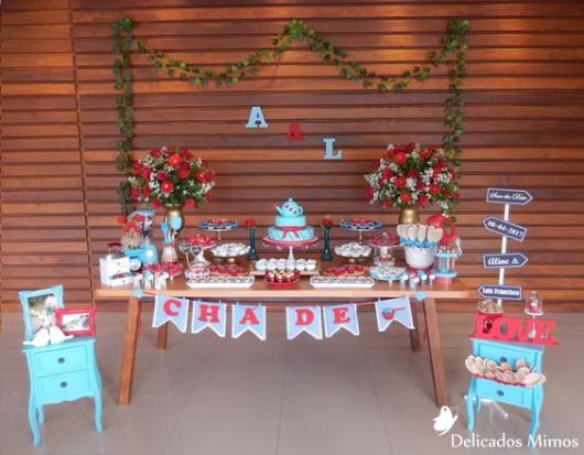 decoração com mesa de madeira