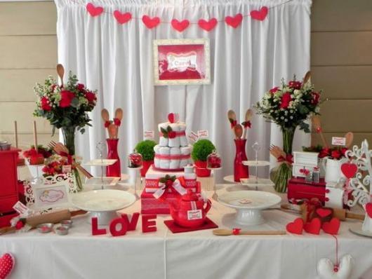 decoração vermelha e branca