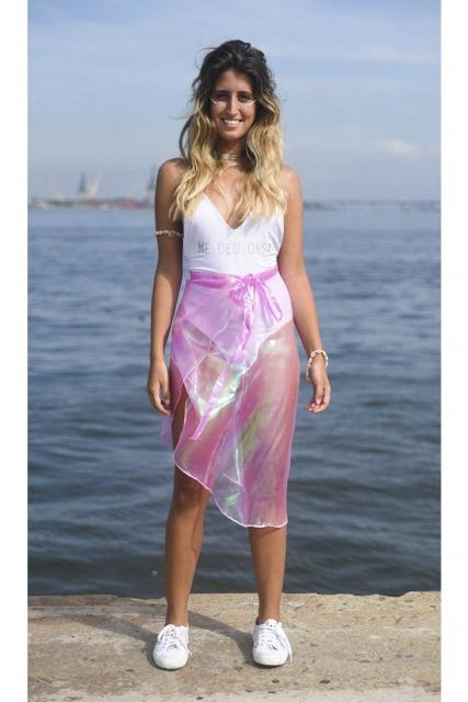Fantasia Ariel Simples blusa branca e saia rosa