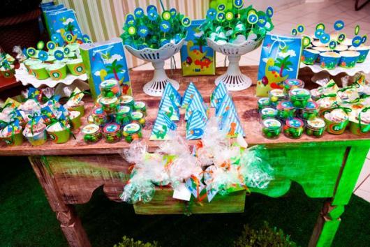 Festa Dinossauro Baby com detalhes em azul e verde