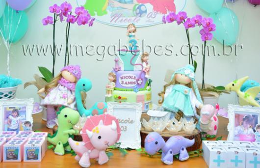 Festa Dinossauro Baby com bichinhos em tons rosa