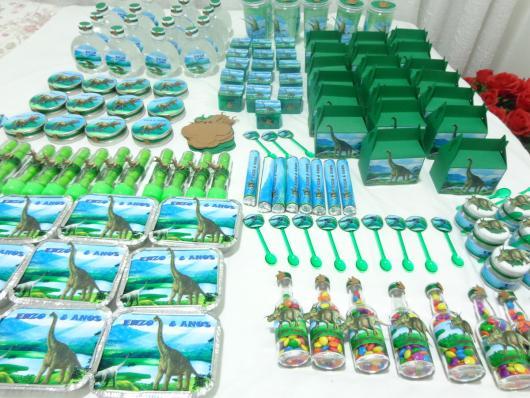 Lembrancinha Festa Dinossauro personalizados de acrílico