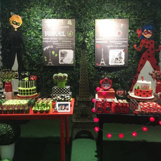 Decoração da Festa Ladybug e Cat Noir com muro inglês