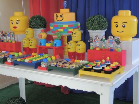 Festa Lego Super Heróis da Marvel com tubetes personalizados