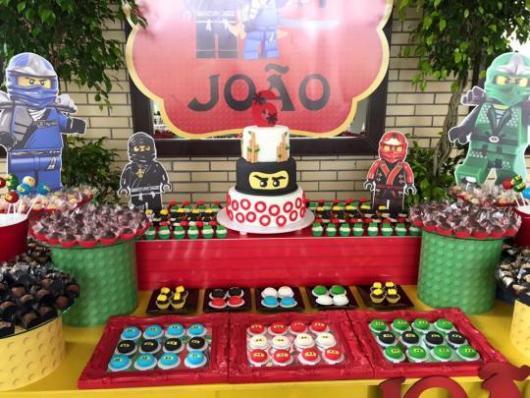 Festa Lego Ninjago com doces personalizados
