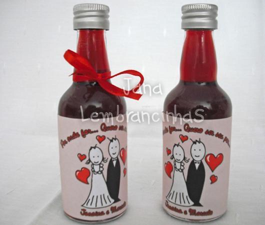 Garrafinhas para Lembrancinhas de Casamento com detalhes em vermelho