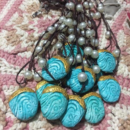 Lembrancinhas Moana de Biscuit colar da Moana