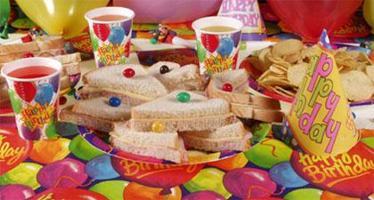 Dicas de o que servir em festa infantil à tarde: lanche com patê