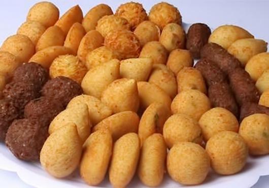 Dicas de o que servir em festa infantil à tarde: salgadinhos fritos
