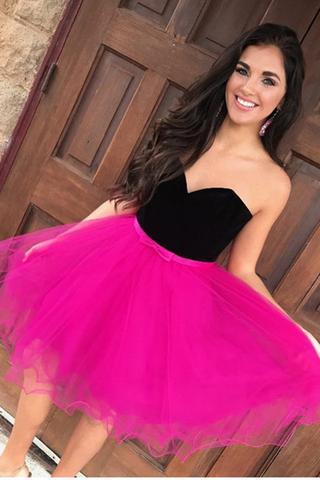 vestido de debutante rosa com busto preto