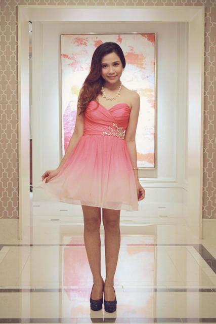 vestido de debutante rosa degradê curto
